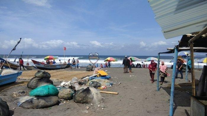 Belum Resmi Dibuka, Wisatawan Mulai Ramai Kunjungi Pantai Parangtritis Jogja