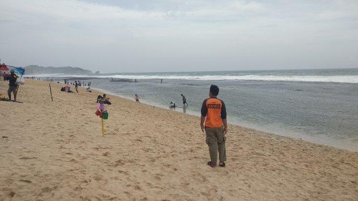 Manfaatkan Libur Lebaran, Ratusan Wisatawan Diminta Pulang Setelah Nekat Kunjungi Pantai