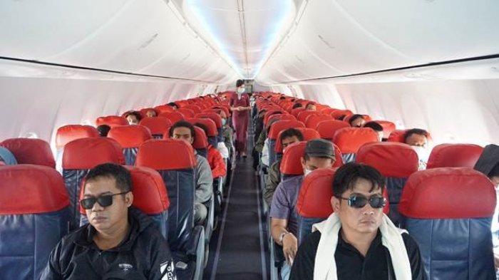 6 Hal yang Dilarang Dilakukan di Atas Pesawat