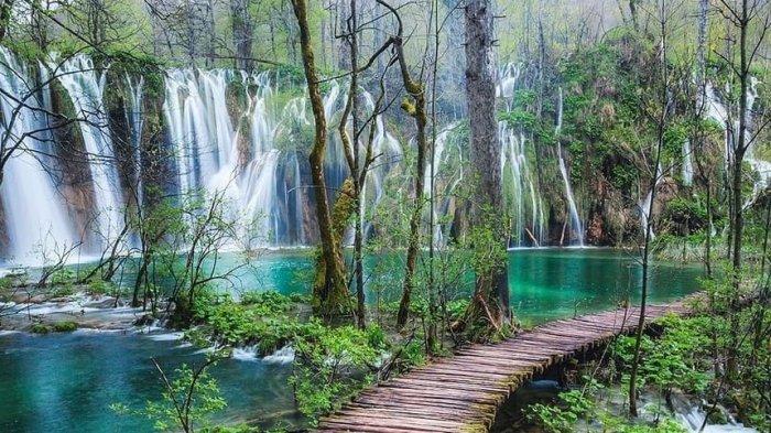 Ini Fakta Unik Plitvice Lakes National Park, Situs Warisan Dunia dengan Pemandangan yang Memesona
