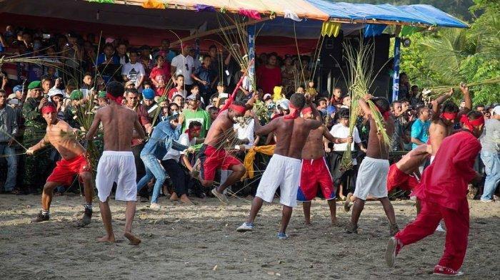 7 Tradisi Unik Menyambut Lebaran di Indonesia, Ada Grebeg Syawal hingga Pukul Sapu