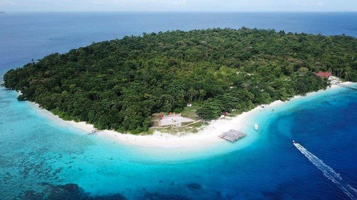 Melihat Keindahan Pulau Sara, Pulau Tak Berpenghuni di Ujung Utara Indonesia
