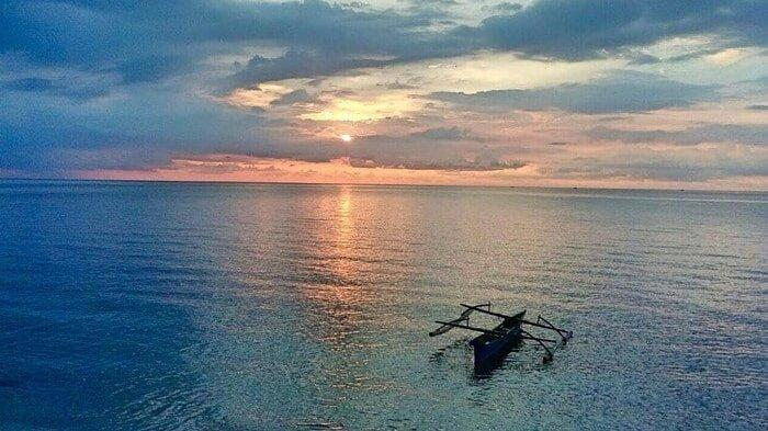 Manjakan Mata Anda di Spot Sunset Terbaik di Pantai Malalayang
