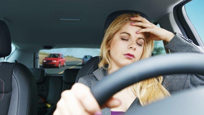 Mengantuk di Tengah Perjalanan? Jangan Tidur di Mobil dalam Kondisi Mesin Menyala