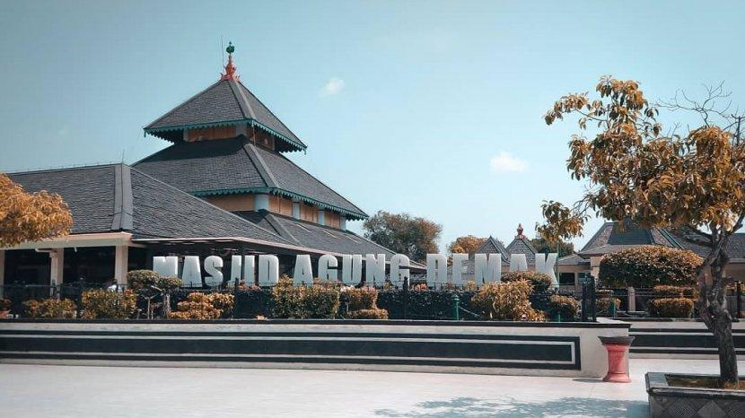 Termasuk Masjid Agung Demak, Ini 4 Masjid Tertua di Indonesia