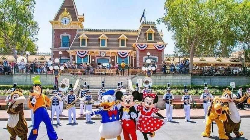 Mulai 8 April 2021 Wisatawan Bisa Berfoto Tanpa Masker di Luar Ruangan Disney World Orlando