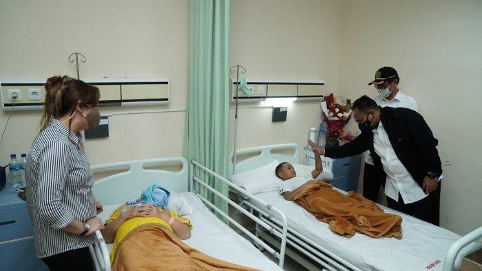 Menteri Agama Yaqut Cholil Qoumas Kunjungi Gereja Katedral Makassar dan Tengok Korban di RS