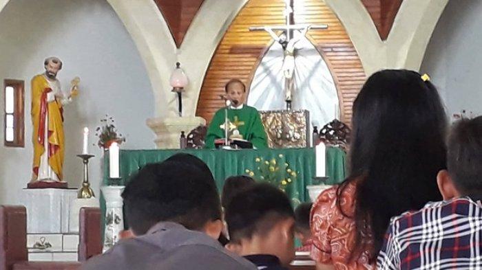 Pimpin Misa Pemakaman, Inilah Riwayat Hidup Pastor Rares