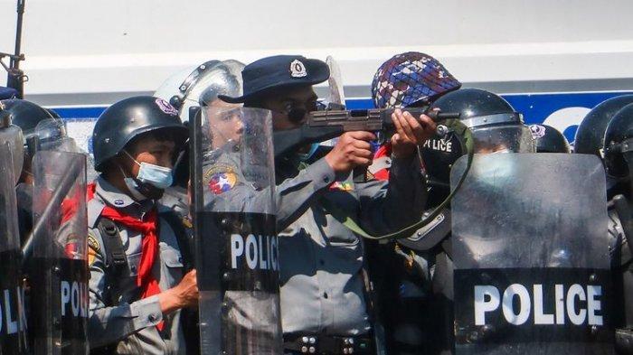 Polisi Myanmar yang Kabur ke India: Junta Militer Perintahkan Tembak Demonstran Sampai Mati