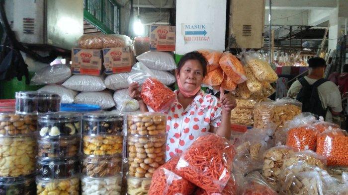 5 Pasar Tradisional di Medan yang Pedagangnya Menjual Aneka Kue Kering