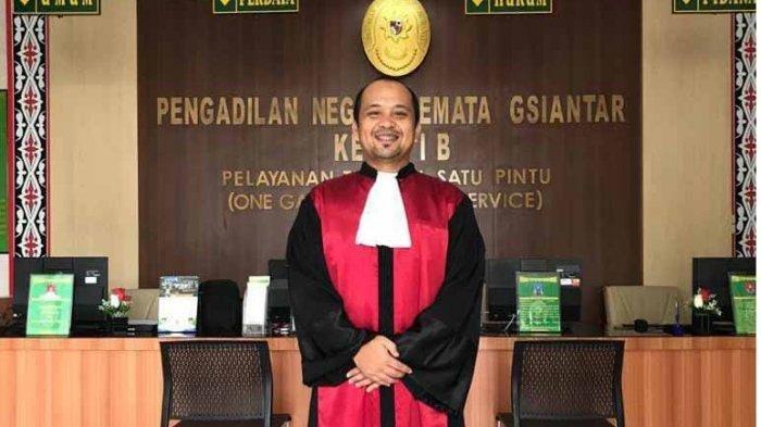 Rahmat Hasibuan, Hakim PN Siantar, Sempat Jadi Honorer dan Gagal Jadi Dokter