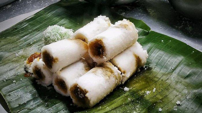 Kue Putu, Makanan Tradisional Indonesia yang Dikukus dengan Bambu serta Mengeluarkan Bunyi yang Khas