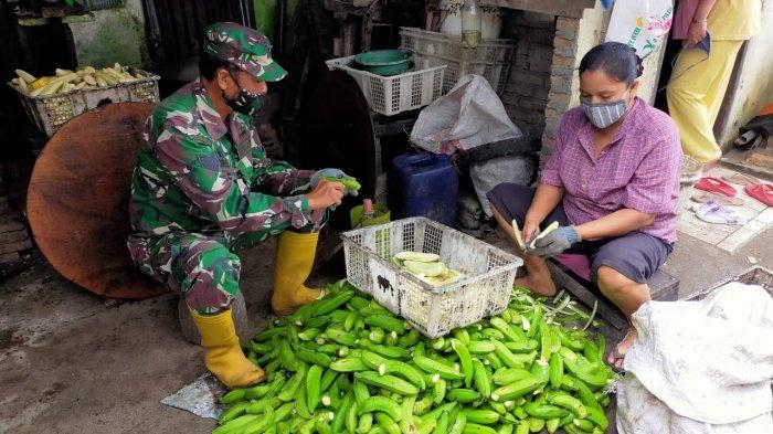 Potret Keakraban Satgas TMMD ke-109 Medan dengan Orang Tua Asuh