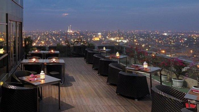 Cambridge Hotel Medan Punya Restoran Tertinggi di Kota Medan - outdoor-the-edge-restaurant.jpg