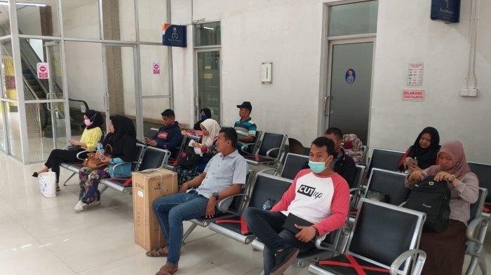 Manajemen PT KAI Divre I Sumut Terapkan Social Distancing untuk Cegah Corona