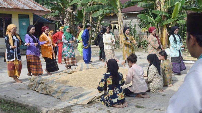 Tarian Berahoi Melayu