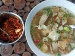 Menikmati Gurihnya Sop Ayam Klaten, Rasanya Nagih Tempatnya Unik