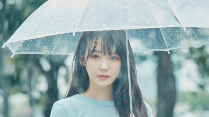 1-Kang-Min-kyung.jpg