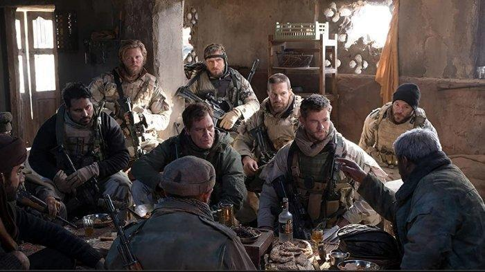 Poster film 12 Strong