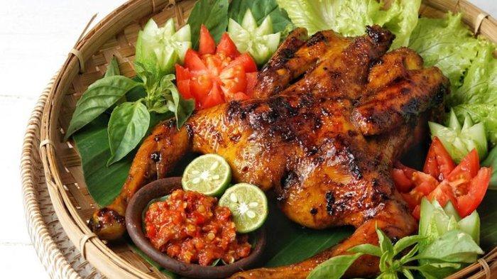 Ilustrasi ayam bekakak khas Sunda.