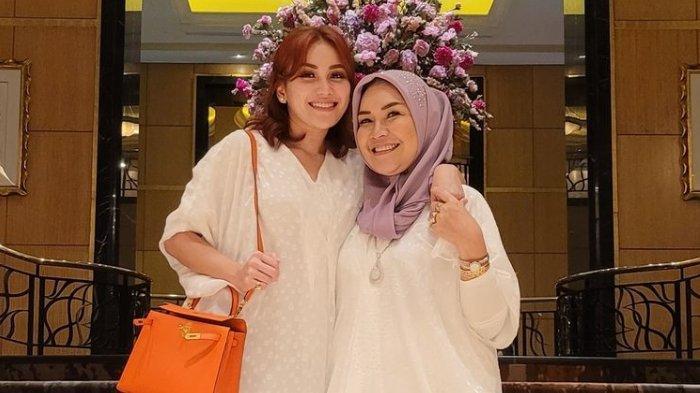 Ayu-Ting-Ting-bersama-ibunya-Umi-Kalsum-1.jpg