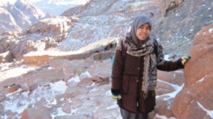 Mahasiswi Universitas Al Azhar Kairo mendaki Bukit Tursina