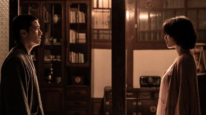 Cuplikan film The 8th Night (3)
