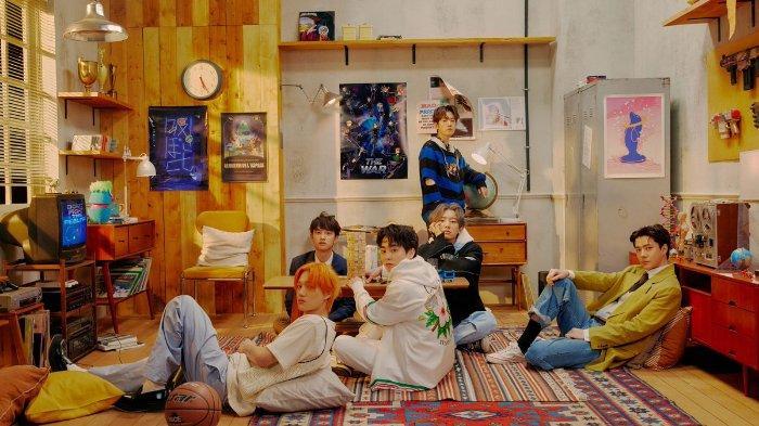 EXO-Comebanck-Dont-Fight-The-Feeling-Lirik.jpg