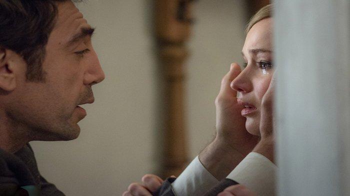 Javier Bardem dan Jennifer Lawrence dalam film Mother! (2017)