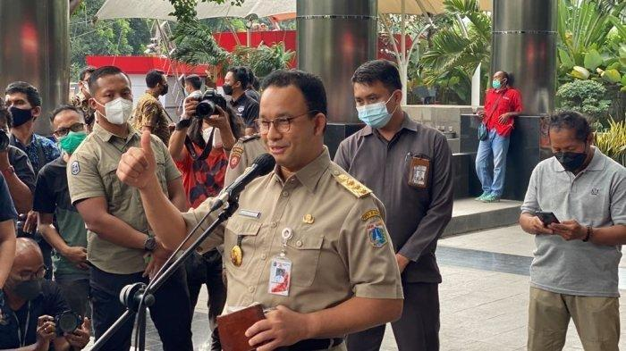Gubernur DKI Jakarta, Anies Baswedan tiba di gedung KPK untuk menjalani pemeriksaan, di Jakarta, Selasa (21/9/2021). Anies Baswedan diperiksa KPK sebagai saksi terkait kasus dugaan korupsi pengadaan lahan di Munjul, Pondok Ranggon, Cipayung, Jakarta Timur pada tahun 2019 dengan tersangka Yorry Corneles Pinontoan.