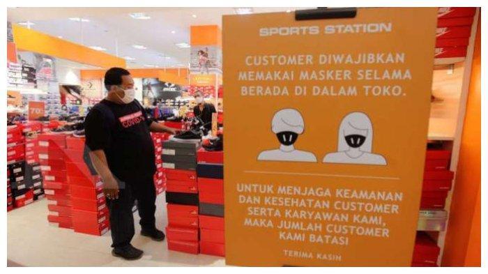Ilustrasi-pengunjung-toko-PPKM.jpg