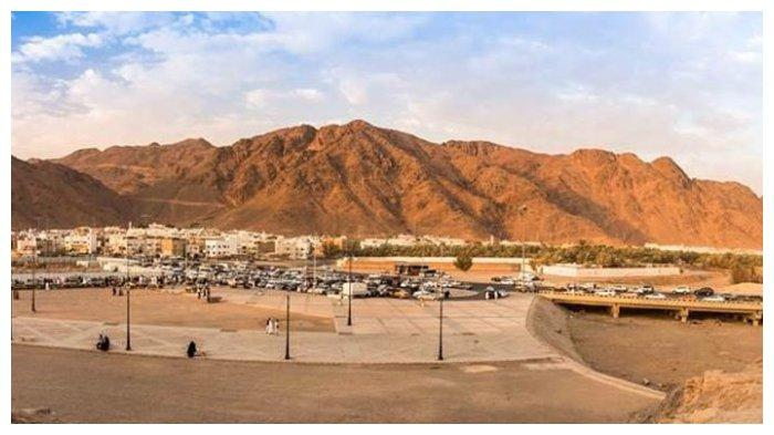 Jabal-Uhud-2.jpg