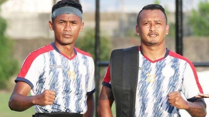 Joko Sasongko (kanan) bersama Wisnu Nugroho sesi latihan tim KS Tiga Naga