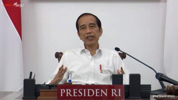 Jokowi-saat-memimpin-Rapat-Terbatas-mengenai-Evaluasi-PPKM-Darurat.jpg