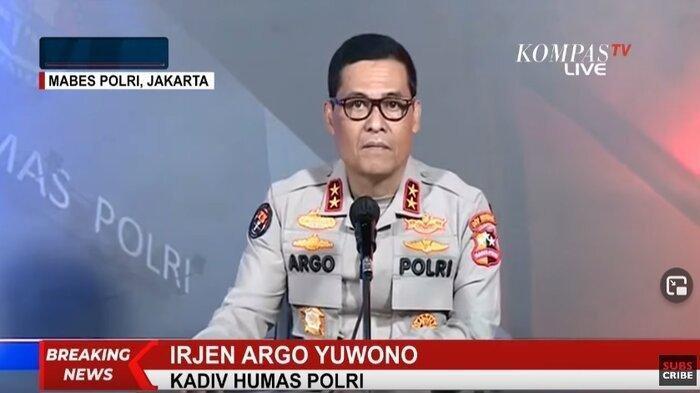 Kadiv-Humas-Polri-Irjen-Argo-Yuwono-konferensi-pers-ledakan-bom-di-makassar.jpg