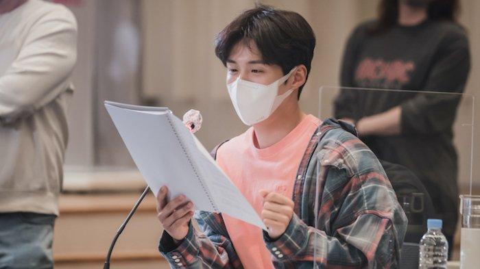 Kim Seon Ho untuk drama Korea Hometown Cha-Cha-Cha (Netflix)