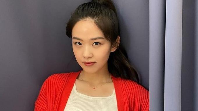 Kim-Si-Eun.jpg