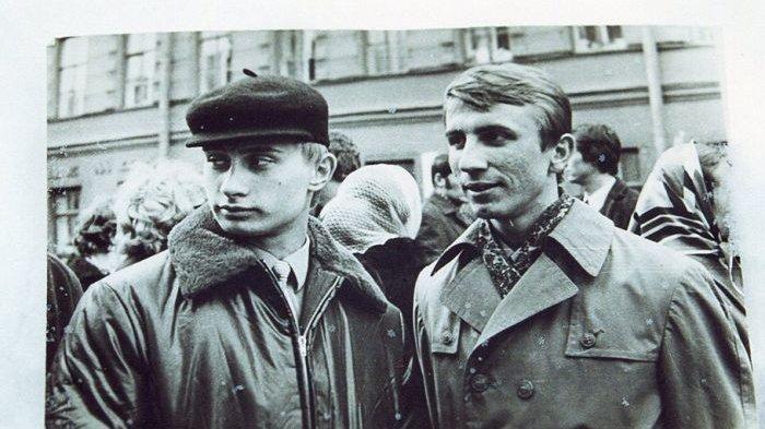 Vladimir Putin sebagai agen KGB di Jerman Timur.
