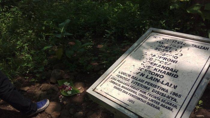 Kuburan-Massal-Plumbon-1.jpg