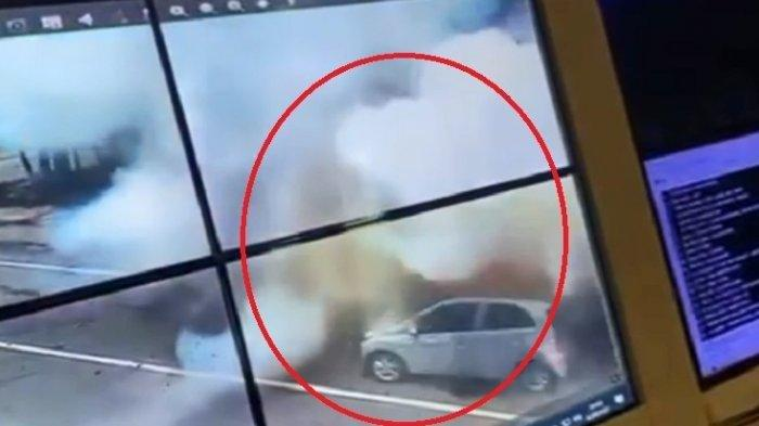 Ledakan-bom-di-depan-gerbang-gereja-makassar-28-3-2021-CCTV.jpg