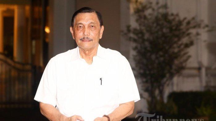Luhut Binsar Panjaitan tiba di Kompleks Istana Kepresidenan, Jakarta Pusat, Selasa (22/10/2019). Sesuai rencana, Presiden Joko Widodo memperkenalkan jajaran kabinet barunya kepada publik mulai Senin (21/10/2019), usai Jokowi dilantik pada Minggu (20/10/2019) kemarin untuk masa jabatan periode 2019-2024 bersama Wakil Presiden Ma'ruf Amin.