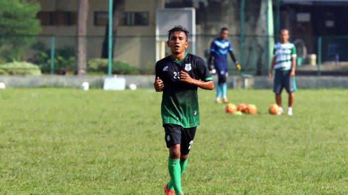 M Zulfikar alias Mursal saat memperkuat PSMS Medan.