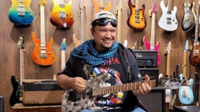 Mantan gitaris band GIGI, Aria Baron meninggal dunia pada Selasa (29/6/2021)
