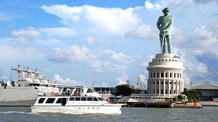 Monumen-Jalesveva-Jayamahe-Monjaya.jpg