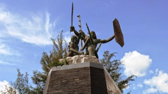 Monumen-Perjuangan-Rakyat-Monpera-Balikpapan.jpg