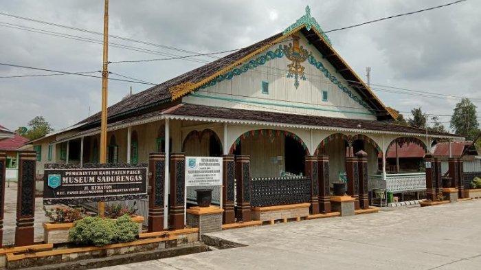 Museum Sadurengas Kabupaten Paser, Provinsi Kalimantan Timur.
