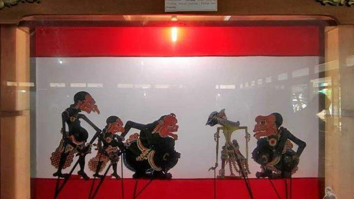 Koleksi wayang di Museum Wayang Sendang Mas, Banyumas, Jawa Tengah.