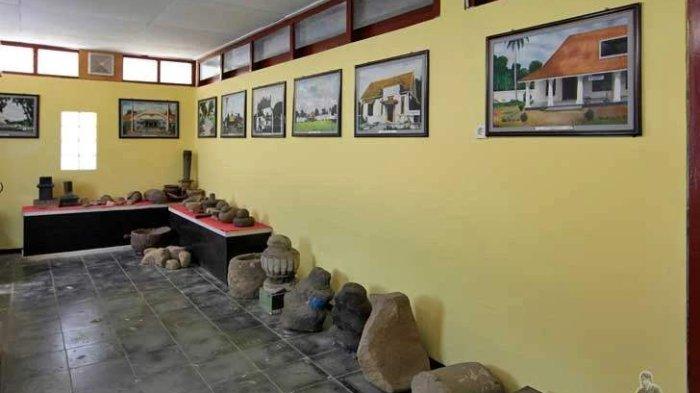 Koleksi benda-benda yang ada di Museum Wayang Sendang Mas, Banyumas, Jawa Tengah.