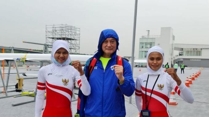 Pedayung putri Indonesia, Mutiara Rahma Putri/Melani Putri resmi tampil di Olimpiade Tokyo 2020 usai lolos Kualifikasi Olimpiade Rowing Zona Asia/Oceania di Jepang, awal Mei lalu.
