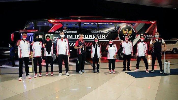 National Olympic Committee (NOC) Indonesia memberangkatkan cabor angkat besi, Deni dan dua atlet dayung Melani Putri dan Mutiara Rahma Putri.